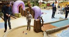 Interaktives Indoor-Minigolf in Center Parcs De Vossemeren